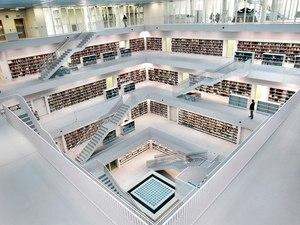 Ali livros...