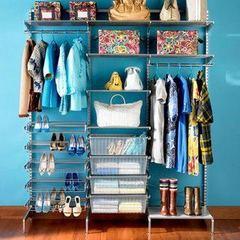 Pra quem mora em pouco espaço e não quer gastar com guarda-roupa. Leva a mudança no carro