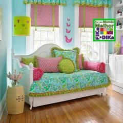 Bancos feitos com cabeceiras de cama....Genial .....