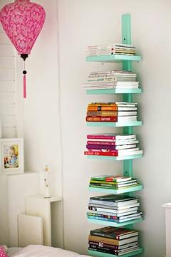 Prateleira de livros para pouco espaço